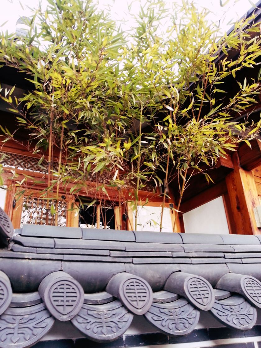 bukchon-hanok-village-_12235314033_o