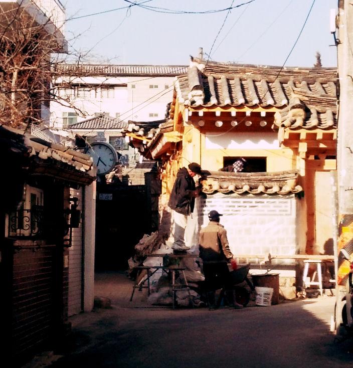 bukchon-hanok-village-_12235317253_o