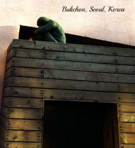 bukchon-hanok-village-_12235543704_o