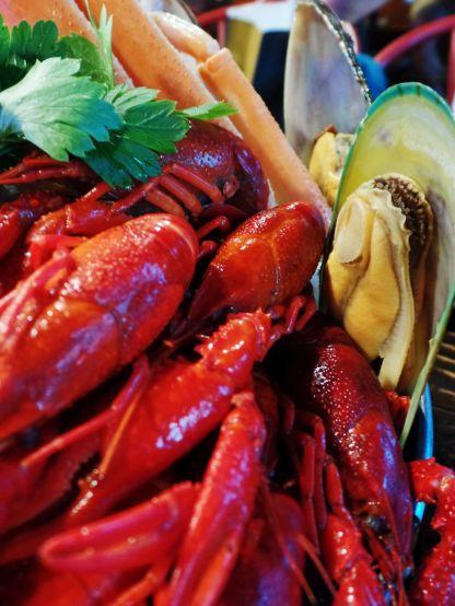 Crawfish + Mussels