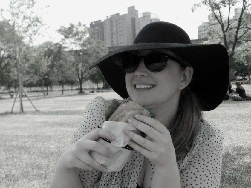han river picnic b and w