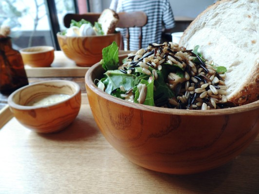 Bad Farmers Sinsa Garosugil Salad
