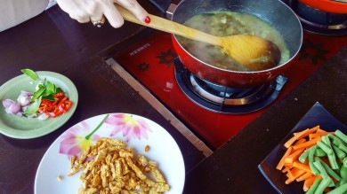 Paon Cooking Class cooking 3