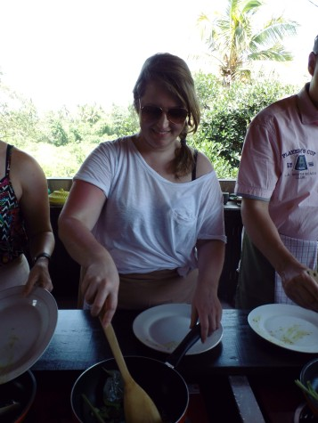 Paon Cooking Class Ubud Making Yellow Sauce 5