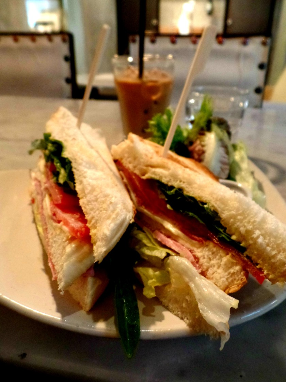 Cafe Long Bread 007