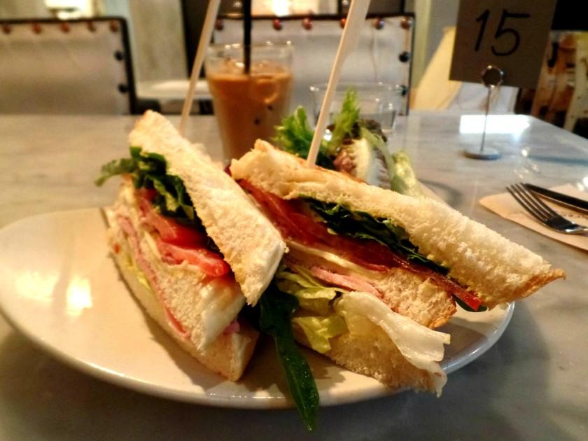 Cafe Long Bread 008