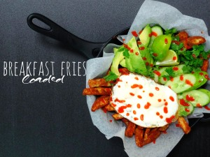 Loaded Breakfast Fries recipe found at unepeach.com title
