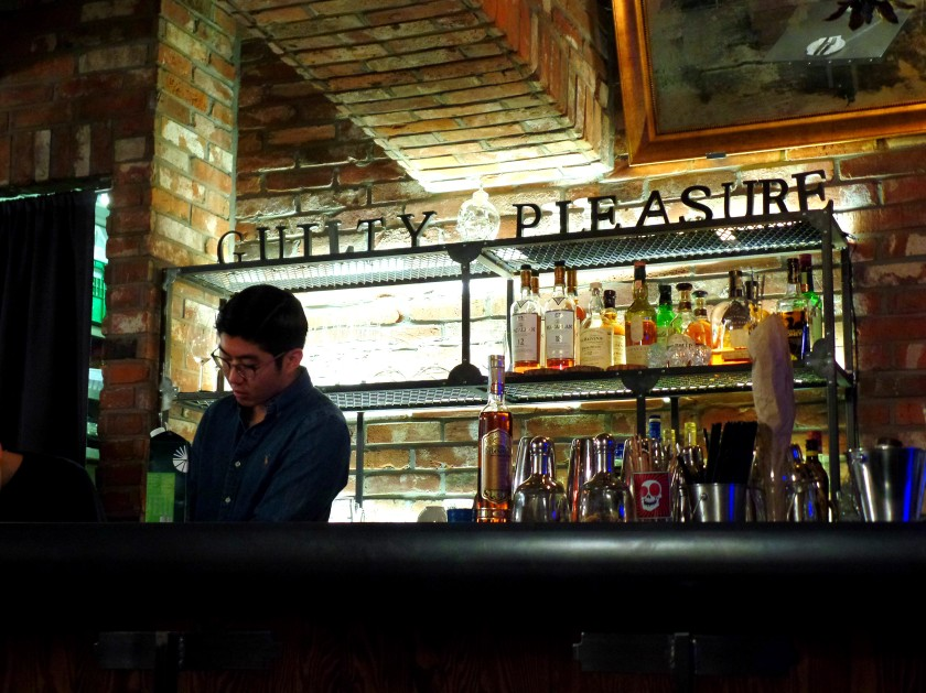 guilty-pleasures-itaewon-unpeach-com-001