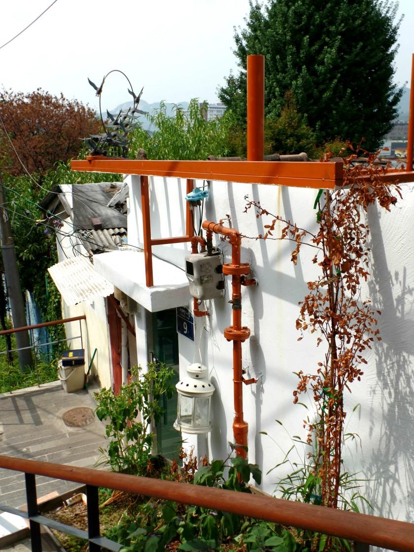 Ehwa Mural Village Seoul Korea 008